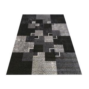 Trendy koberec s kockami čiernej farby