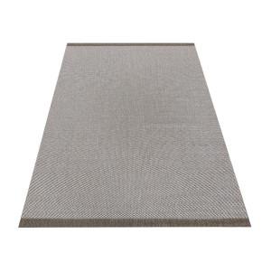Jednoduchý obojstranný koberec v odtieni coffee