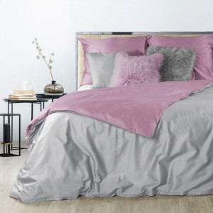 Obojstranné saténové posteľné obliečky ružovej farby