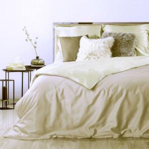 Jemné obojstrané posteľné obliečky krémovej farby