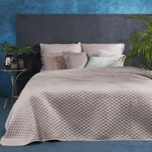 Exkluzívny velúrový prehoz na posteľ s prešívaním