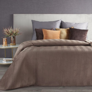 Hnedý obojstranný prehoz na posteľ s dekoračným prešívaním
