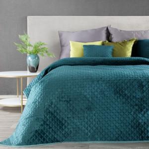 Vzorovaný jednofarebný prehoz na posteľ tyrkysovej farby