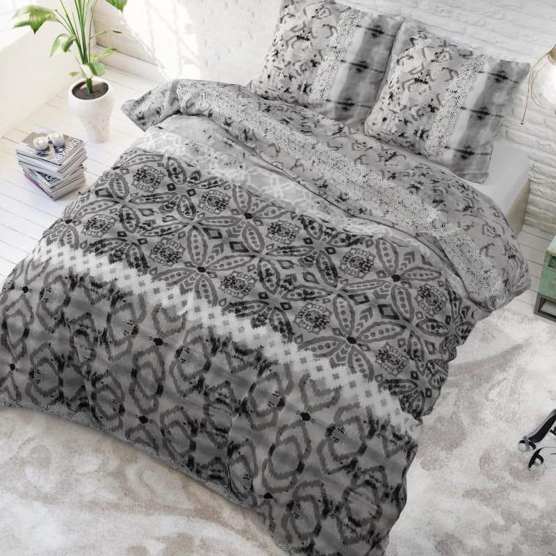 DomTextilu Sivé vzorované posteľné obliečky 200 x 220 cm Sivá 24877