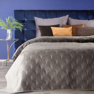 Prešívaný jednofarebný prehoz na posteľ tmavo béžovej farby