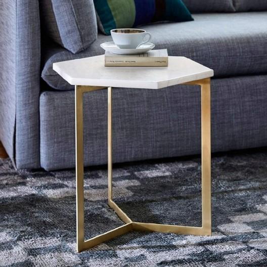 Mramorový stolík s oceľovou konštrukciou