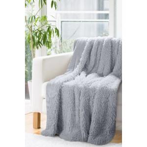 Dekoratívna deka prehoz v sivej farbe