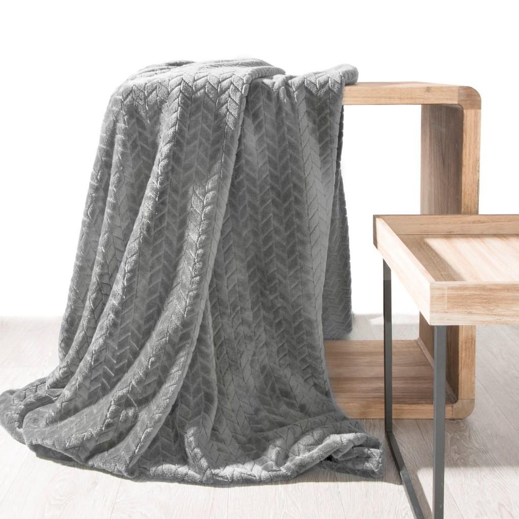 DomTextilu Jemná dekoratívna deka sivej farby 200 x 220 cm