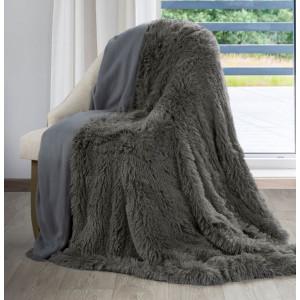 Tmavošedá chlpatá deka