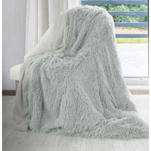 Svetlosivá chlpatá deka