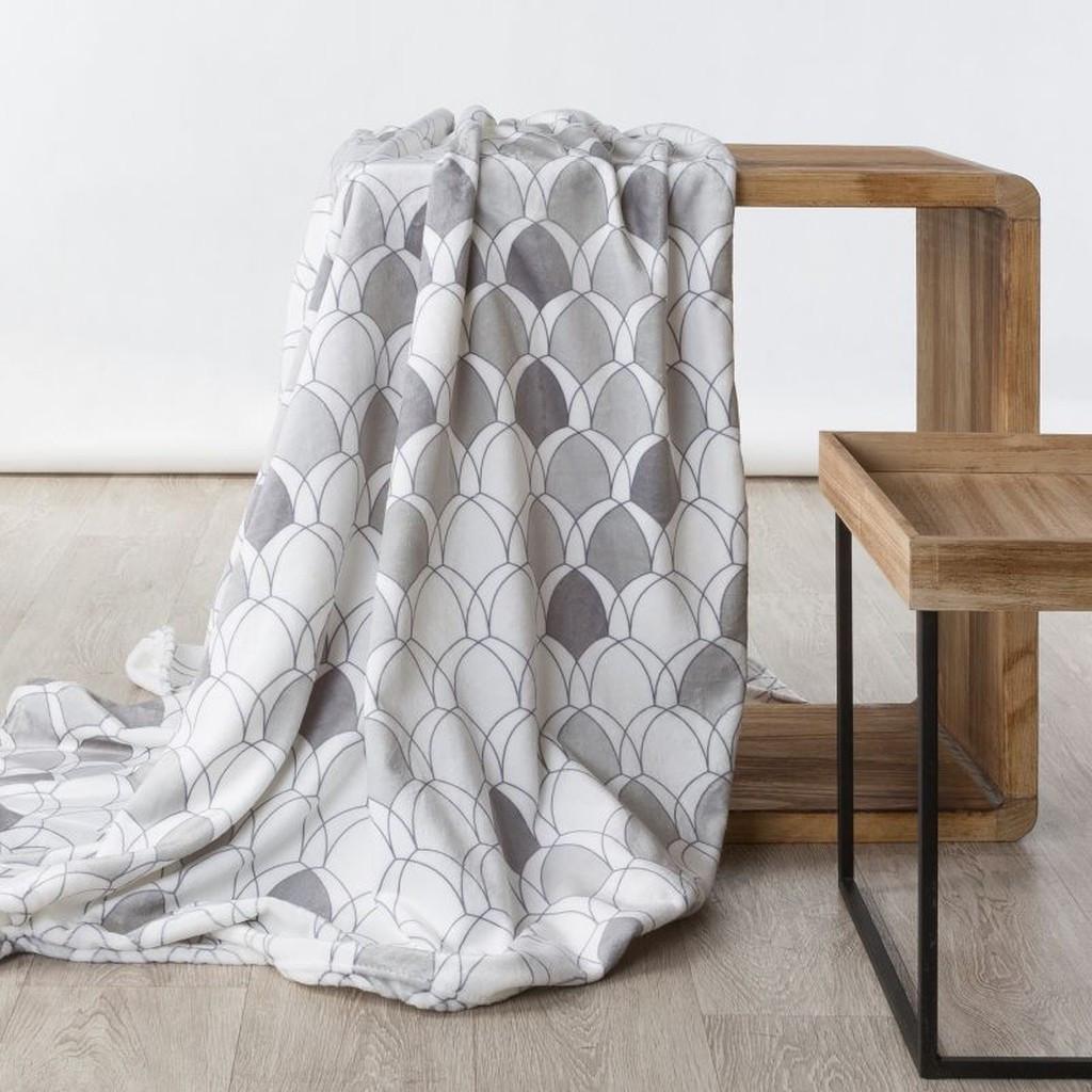 Moderná deka v krásných šedých farbách Šírka: 70 cm | Dĺžka: 160 cm