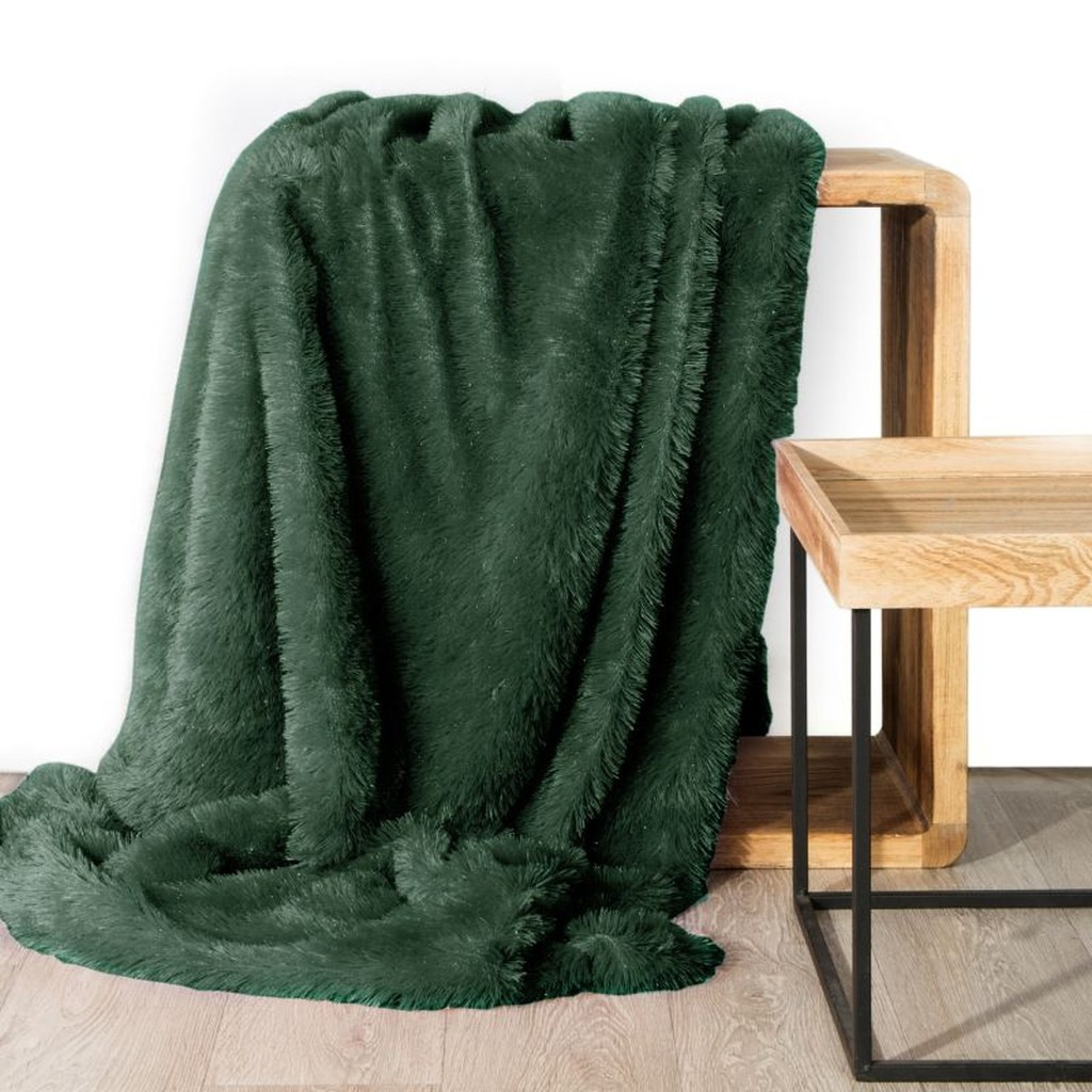 DomTextilu Jednofarebná chlpatá deka zelenej farby 70 x 160 cm