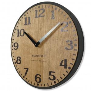 Nástenné hodiny v hnedej farbe