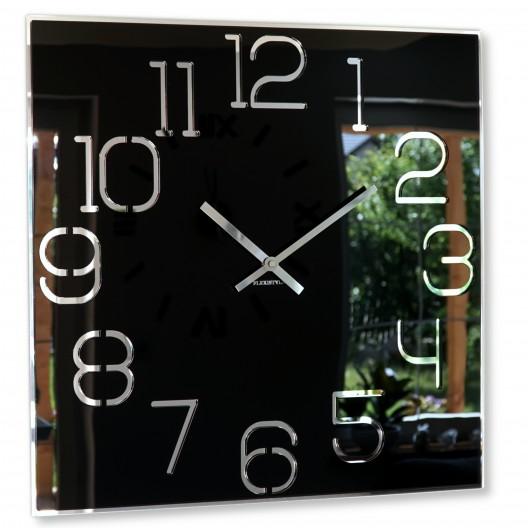 Štýlové hranaté hodiny čiernej farby
