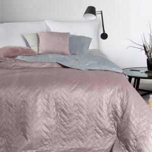 Kvalitný ružový obojstranný prehoz na manželskú posteľ