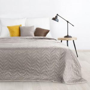 Kvalitný obojstranný bežový prehoz na posteľ s prešívaním