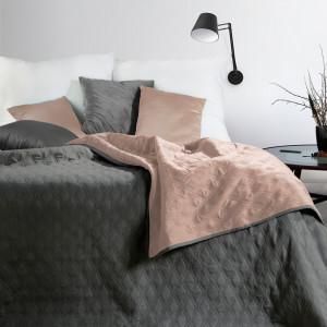 moderný obojý strannsivo ružový prehoz na posteľ