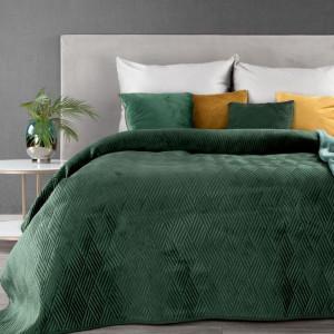 Krásny smaragdovo zelený  prehoz na posteľ