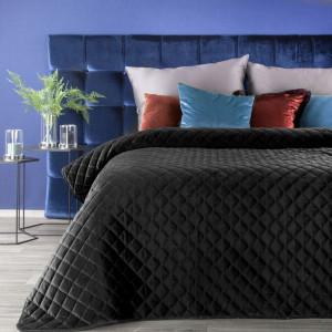 Kvalitný prehoz čiernej farby zamatového materiálu