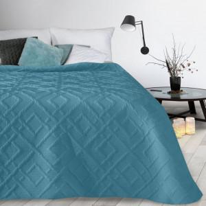 Moderný prehoz so vzorom v modrej farby