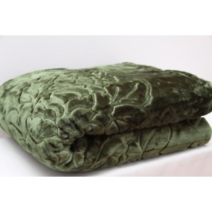 Luxusná deka v olivovo zelenej farbe
