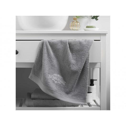 Bavlnený sivý uterák s nášivkou 50 x 90 cm