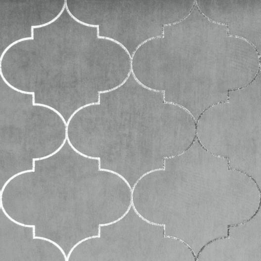 Svetlo sivý záves do obývačky so zavesením na kruhy