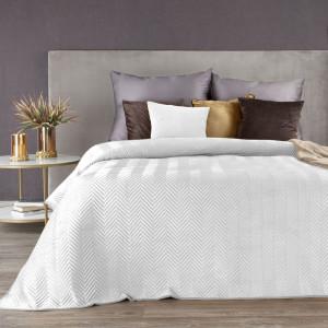 Kvalitný snehovo biely pehoz na manželskú posteľ