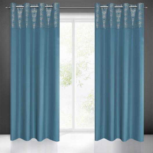 Moderný záves vo svetlo modrej farbe do obývačky