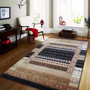 Moderný a kvalitný koberec s geometrickými vzormi v modrej farbe