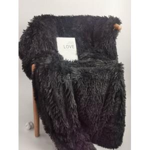 Luxusná tmavo sivá teplá chlpatá deka