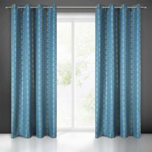Modrý dekoratívny záves do obývačky s potlačou