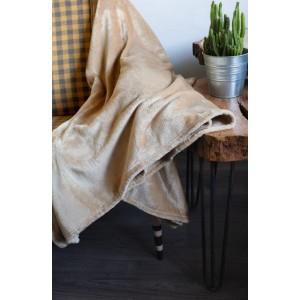 Moderná teplá béžová deka s jemným leskom