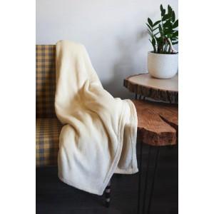 Kvalitná smotanovo krémová hrubá deka