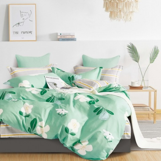 Krásne  moderné zelené obojstranné posteľné obliečky s motívom kvetov