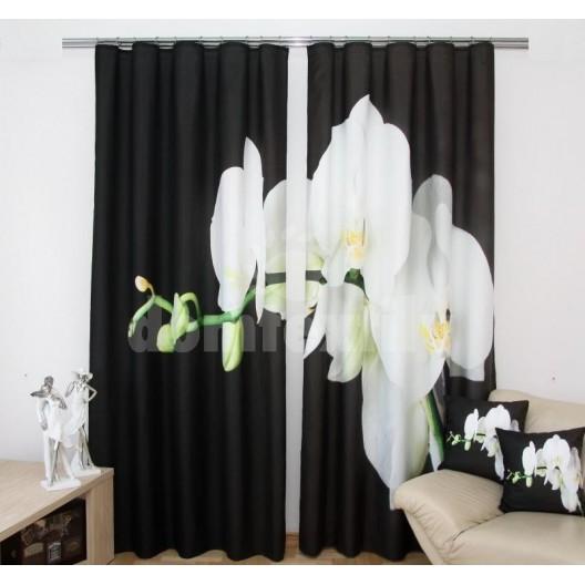 Čiernobiely záves s kvetom