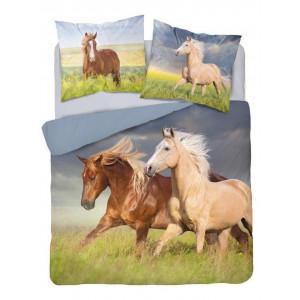 Krásne béžové obojstranné bavlnené posteľné obliečkys motívom koní