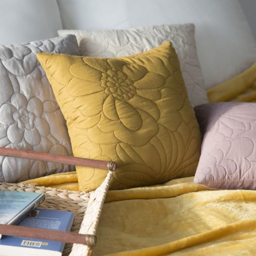 Dekoračná obliečka na vankúš krémovej farby