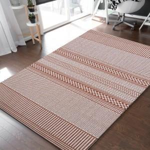 Štýlový obojstranný koberec v teplej oranžovej farbe