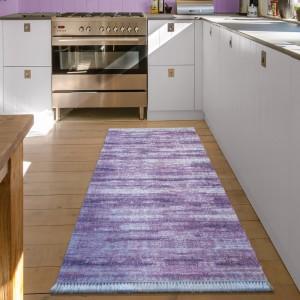 Behúň do spálne alebo kuchyne v lila farbe