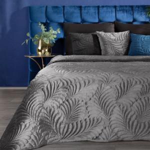 Brilatný sivý zamatový prehoz na posteľ s motívom listov