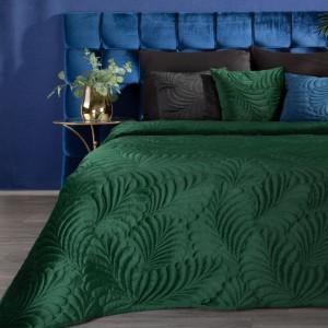Smaragdovo zelený zamatový prehoz na posteľ s motívom listov