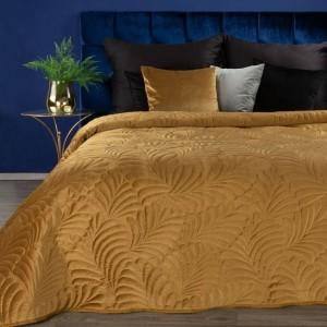 Luxusný zamatový žlto zlatý prehoz na posteľ