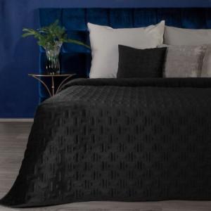 Čierny zamatový prehoz na posteľ v nadčasovom designe