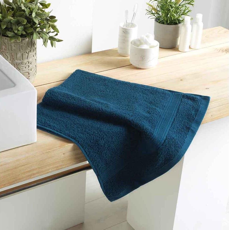 DomTextilu Krásny tmavo modrý bavlnený uterák 50 x 90 cm Modrá