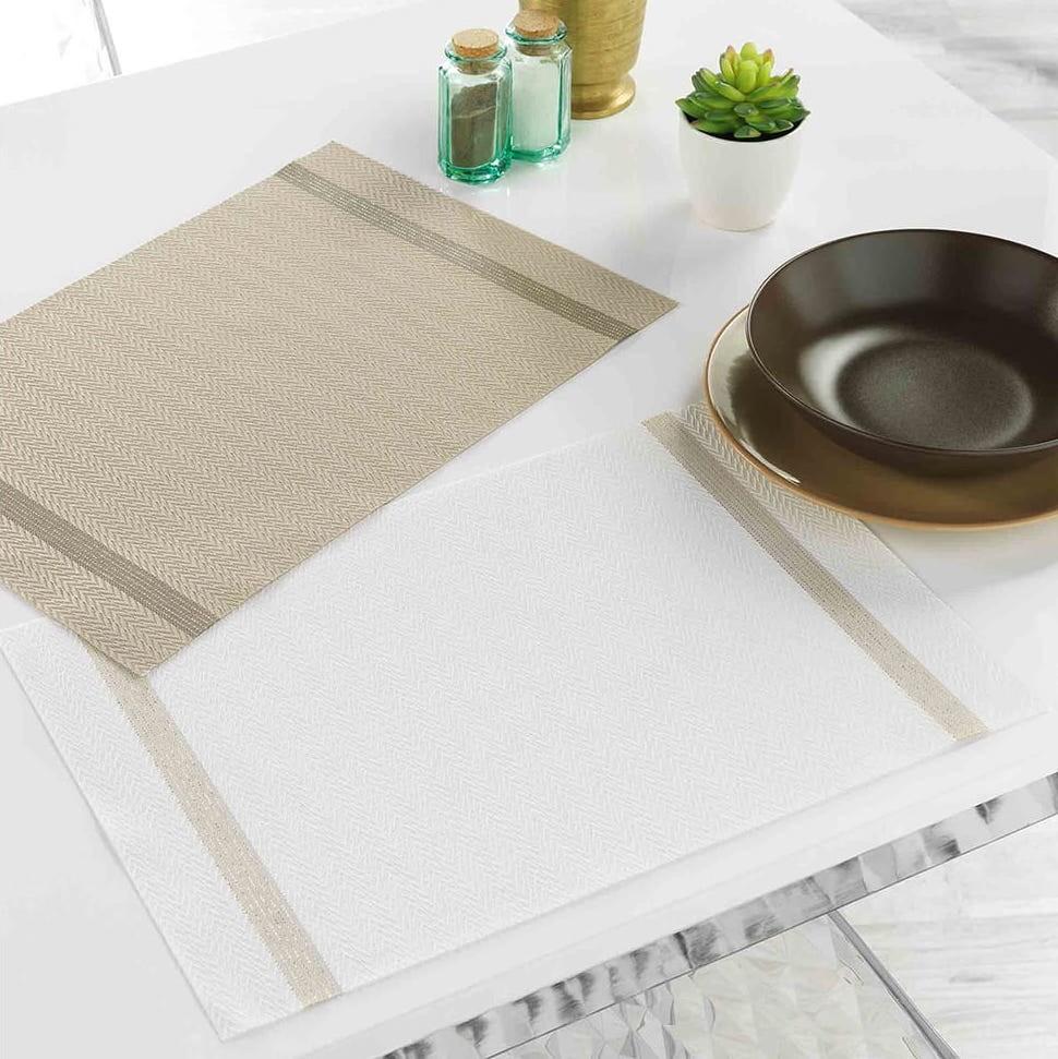 Decentné bielo zlaté prestieranie na stôl 30 x 45 cm