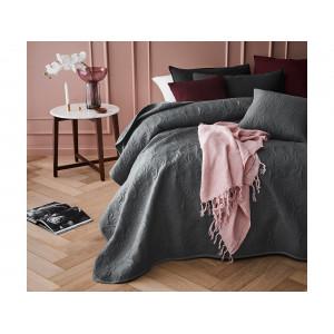 Tmavo sivý prehoz na posteľ s ornamentálnym prešívaním 240 x 260 cm