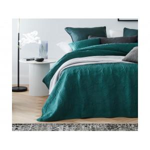 Krásny zelený prešívaný prehoz na posteľ 220 x 240 cm