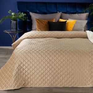 Zamatový béžový prešívaný prehoz na posteľ