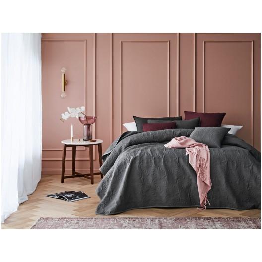 Jednofarebný sivý prehoz na posteľ s prešívaním 200 x 220 cm